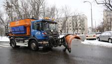 Fatalne warunki na drogach. Dziś znowu sypnie śniegiem