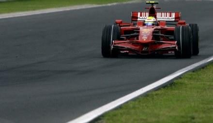 Felipe Massa jest jednym z faworytów do zdobycia pole position /AFP