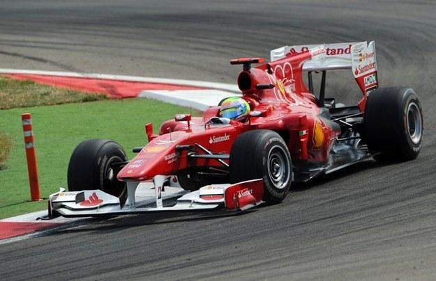 Felipe Massa przedłużył kontrakt z Ferrari /AFP