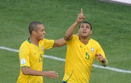 Felipe Melo (z prawej) został piłkarzem Juventusu. /AFP