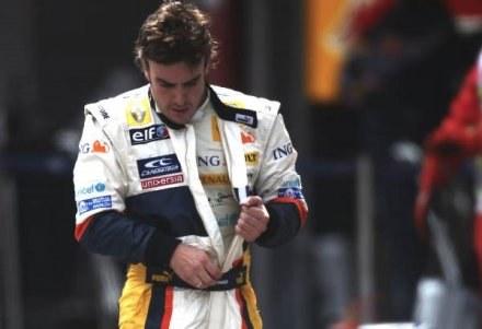Fernando Alonso mocno przeżył śmierć babci /Getty Images/Flash Press Media