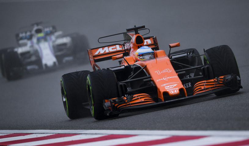 Fernando Alonso w bolidzie McLaren /AFP
