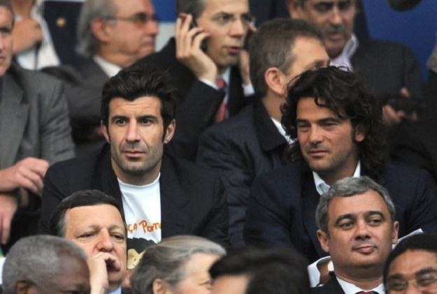 Fernando Couto (z prawej) obok Luisa Figo. /AFP