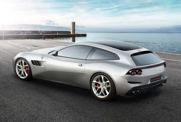 Ferrari GTC4 Lusso T /Ferrari