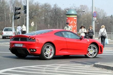Ferrari w Warszawie /fot. Mateusz Jagielski /Agencja SE/East News