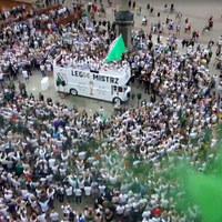 Feta mistrzowska w Warszawie! Tak Legia świętowała zwycięstwo