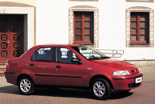 Fiat albea / kliknij /INTERIA.PL