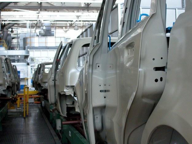 Fiat Chrysler da swoim pracownikom w Tychach podwyżkę i premię /Andrzej Wawok /Reporter