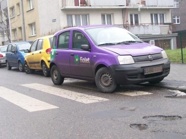 Fiat panda i mistrz parkowania.