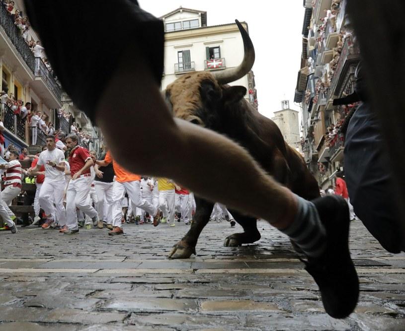 Fiesta przyciąga wielu turystów z zagranicy, w tym z USA /PAP/EPA