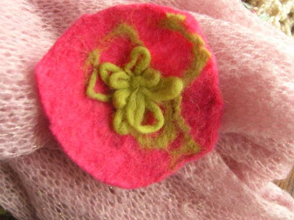 moje,ręcznie robione kwiaty z filcu