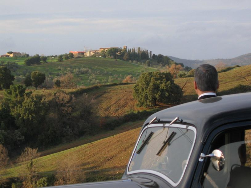 Film urzeka pięknymi zdjęciami. Scenerią jest krajobraz środkowych Włoch  /Jan Freda