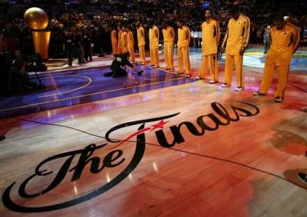 Finał NBA cieszył się w Los Angeles ogromnym zainteresowaniem /AFP