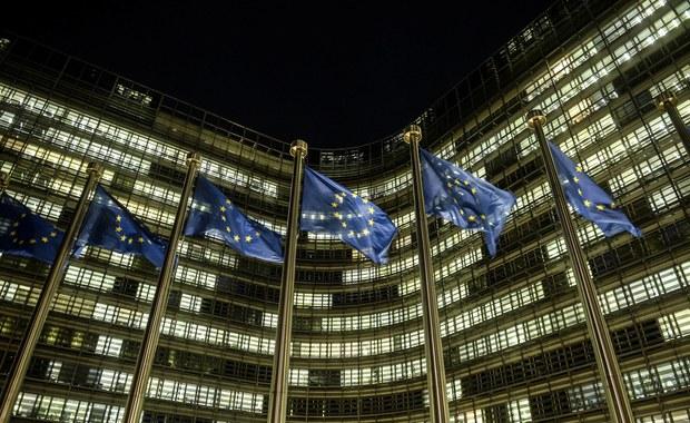 """""""Financial Times"""": Konflikt z Polską jest największym testem dla UE"""