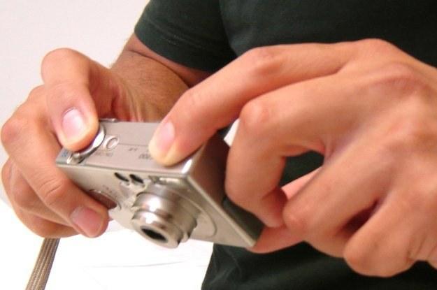 Firmowy aparat nie musi być przeładowany dodatkami. Ważne, aby był praktyczny Fot. Gabriella Fabbri /stock.xchng