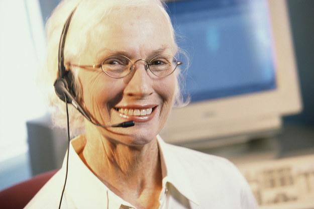 Firmy podnoszą płace, bo mają problemy ze znalezieniem pracowników... /© Glowimages