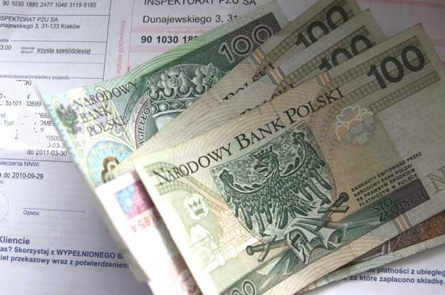 Firmy ubezpieczeniowe zarabiają w ten sposób nawet 900 mln zł rocznie /INTERIA.PL
