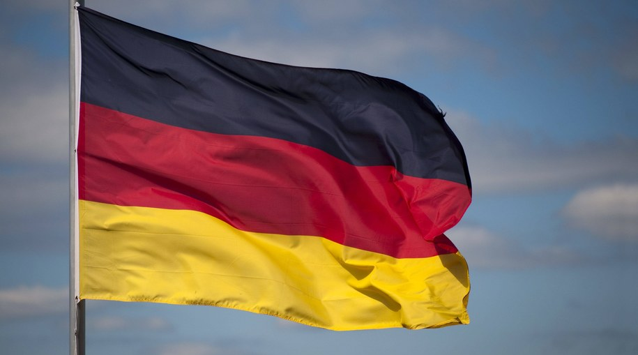 Flaga Niemiec /CHROMORANGE  /PAP/DPA