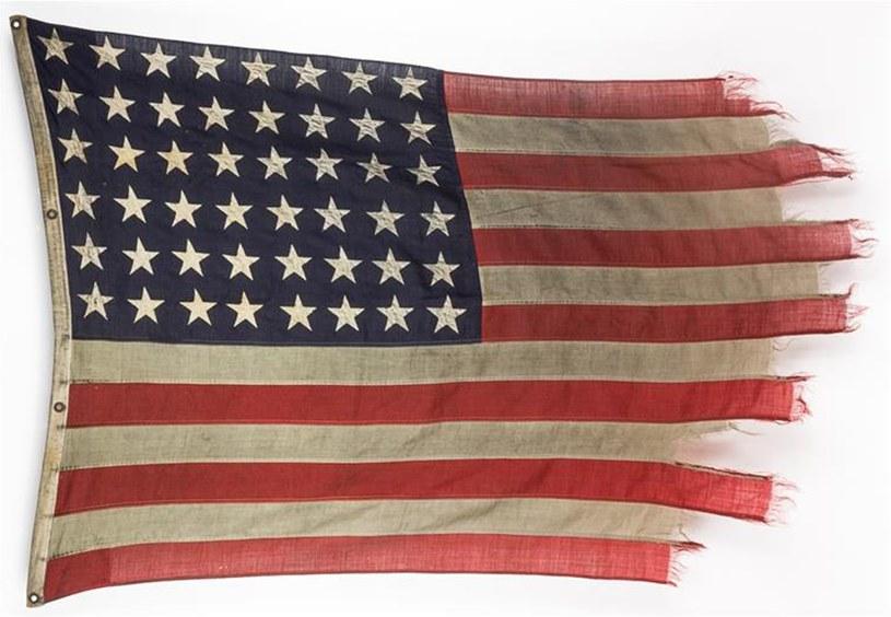 Flaga z operacji w Normandii może zostać sprzedana nawet za 250 tys. USD /Alexander Historical Auctions  /East News