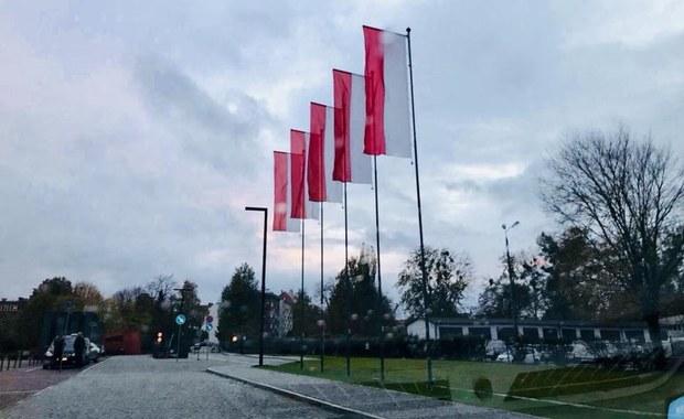 """Flagi Gdańska i UE zniknęły sprzed Muzeum II Wojny Światowej. """"Pretensje są nieuzasadnione"""""""
