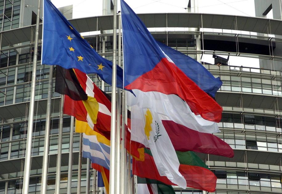 Flagi państw członkowskich Unii Europejskiej (zdjęcie ilustracyjne). /ROLF HAID /PAP/DPA