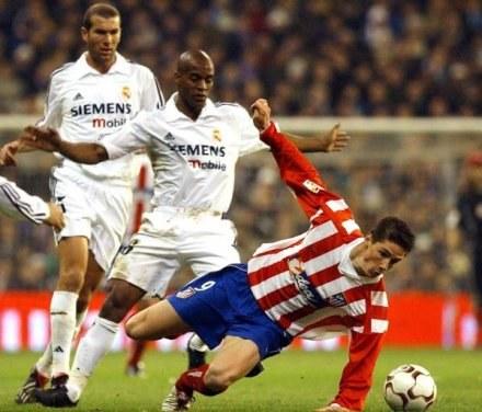 Flavio Conceicao uważa, że w Realu nie będzie lepszego piłkarza niż Zidane (na drugim planie) /AFP