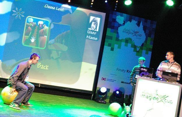 Flexify pokazuje swój projekt na krajowych finałach Imagine Cup 2012 /INTERIA.PL