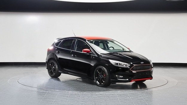 Ford Focus Black /Ford