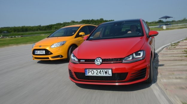 Ford Focus ST, Volkswagen Golf GTI Performance /Motor