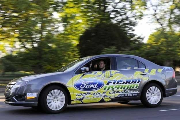 Ford fusion hybryd podczas rekordowego przejazdu w kwietniu 2009 roku /
