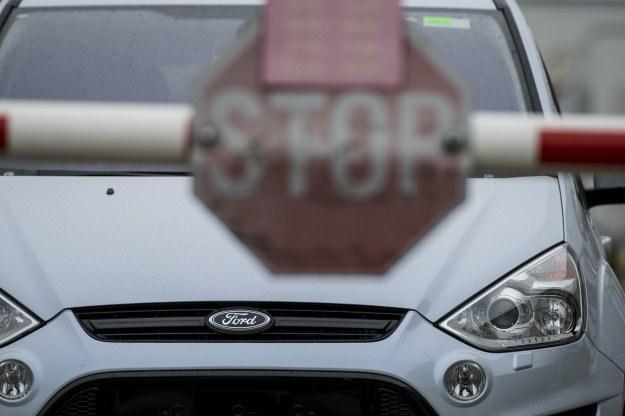 Ford wprowadza w życie program oszczędnościowy /AFP
