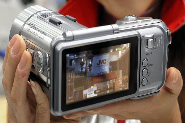Formatów wideo i kamer nie brakuje na rynku /AFP