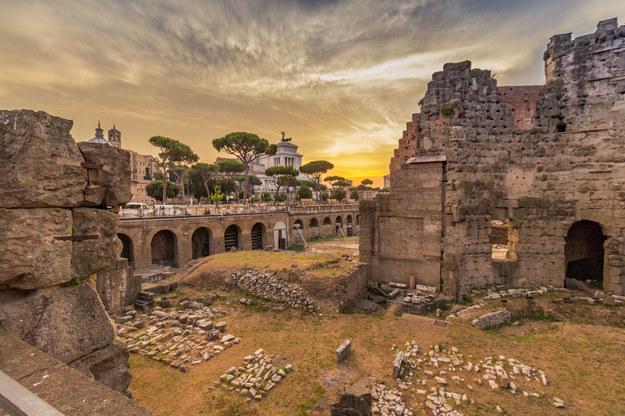 Forum Romanum stanowiło centrum życia obywateli Rzymu /123/RF PICSEL