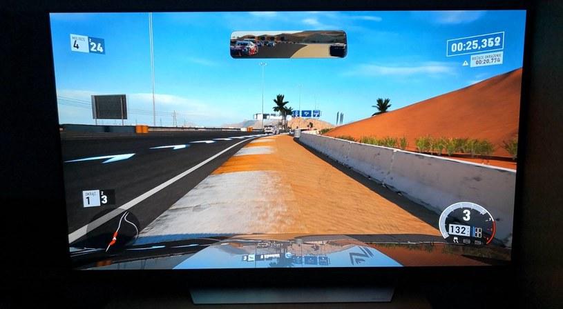 Forza Motorsport 7 na ekranie telewizora OLED - zdjęcia w internecie nie oddadzą jakości obrazu /INTERIA.PL