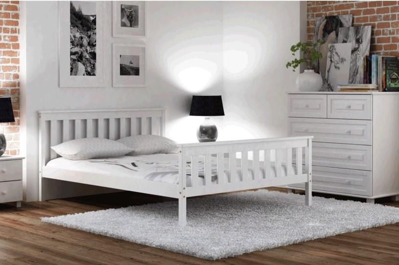 Fot. Meble Magnat - łóżko Alion w kolorze białym /materiały prasowe