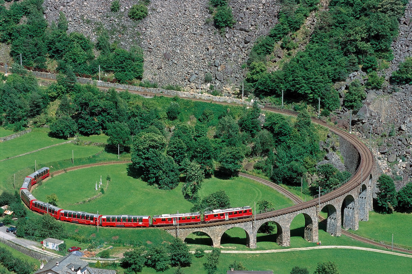 fot. Rhaetische Bahn By-line: swiss-image.ch/Peter Donatsch /INTERIA.PL