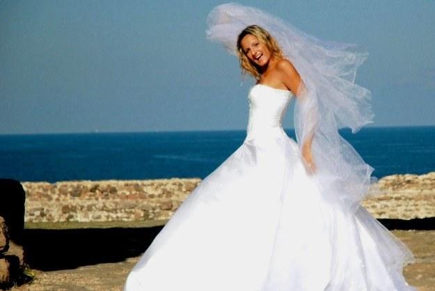 Fotograf ślubny ma uwiecznić jeden z najważniejszych momentów w naszym życiu Fot. Simona Balint /stock.xchng