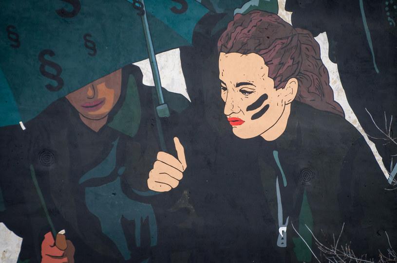 Fragment muralu Marty Frej, który powstał na pamiątkę Czarnego Protestu /Polska Press /East News