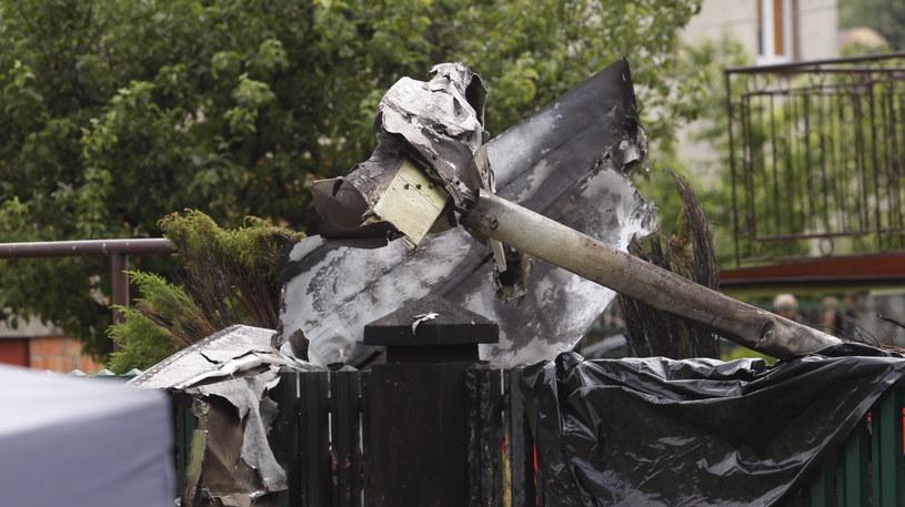 Fragment wraku samolotu na miejscu tragicznego wypadku awionetki Cessna /Andrzej Grygiel /PAP