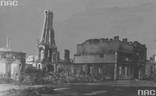 Fragment zbombardowanego podczas I wojny światowej Kalisza /Z archiwum Narodowego Archiwum Cyfrowego