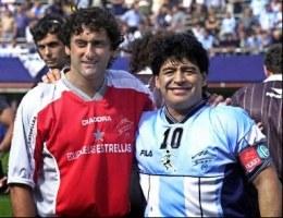 Francescoli i Maradona. Pierwszy trzy razy triumfował w Copa America, drugi nie wygrał nawet meczu! /AFP