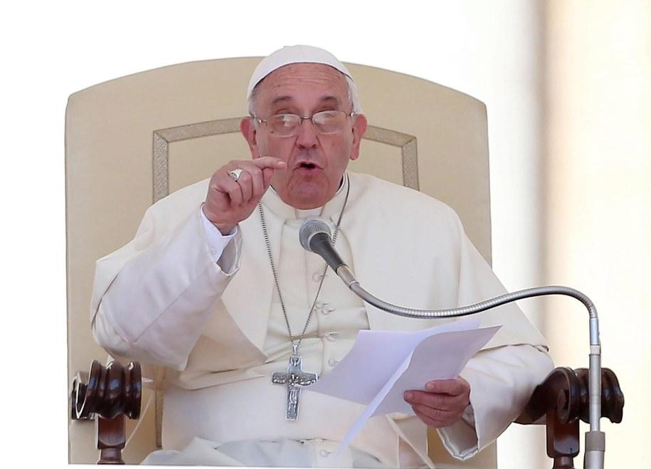 Franciszek: Miłość to nie suplement dobrego samopoczucia /ALESSANDRO DI MEO    /PAP/EPA