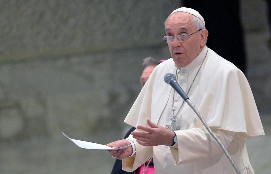 Franciszek podczas audiencji generalnej /MAURIZIO BRAMBATTI /PAP/EPA