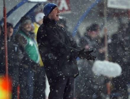 Franciszek Smuda, jak zawsze, mocno przeżywał mecz. Fot. Sebastian Borowski. /Agencja Przegląd Sportowy