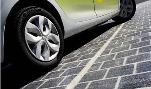 Francja pokryje 1000 km dróg panelami słonecznymi