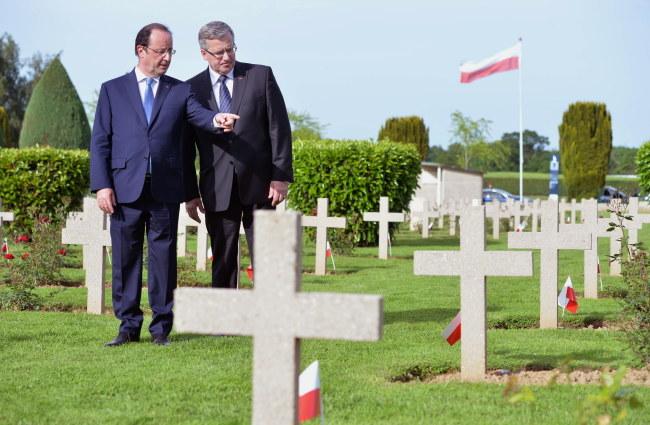 Francois Hollande i Bronisław Komorowski /Jacek Turczyk /PAP
