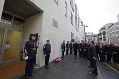 """Francois Hollande złożył hołd ofiarom ataku na """"Charlie Hebdo"""""""