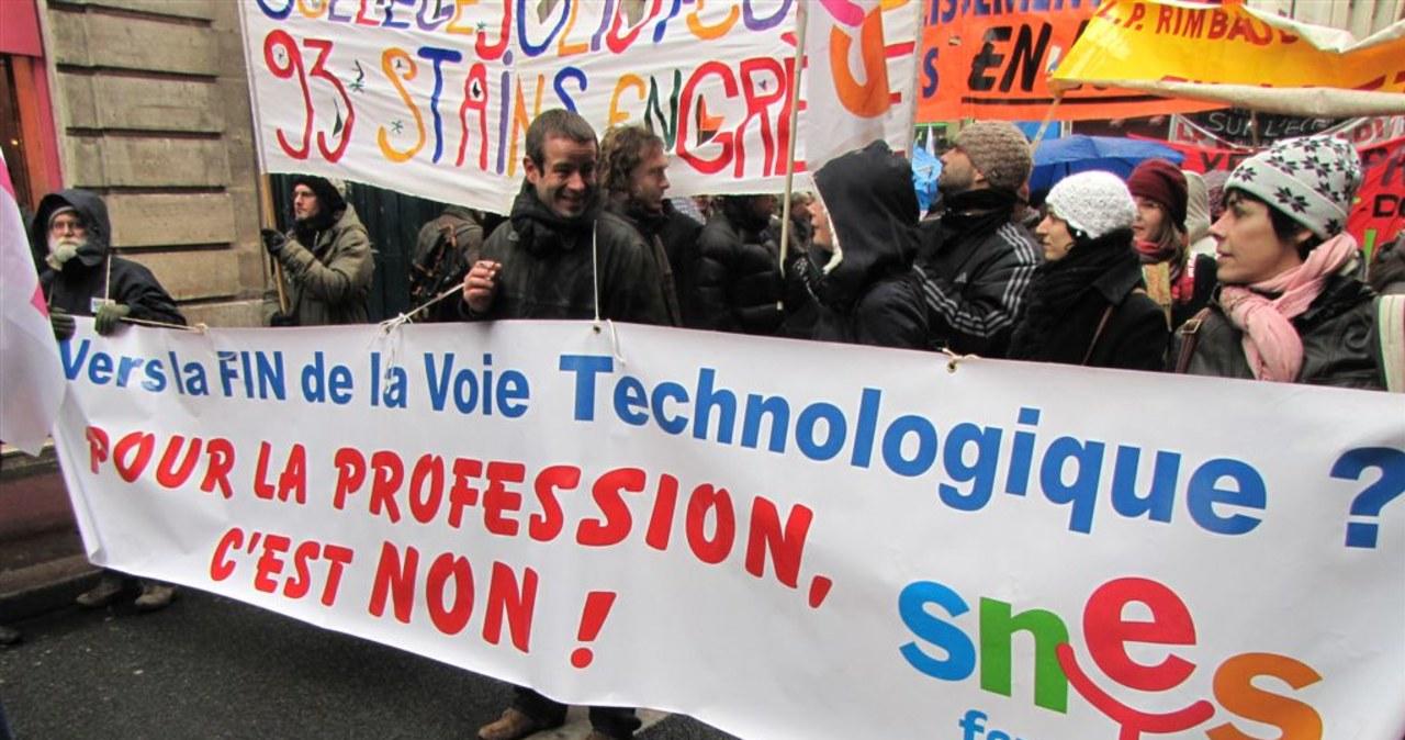 Francuscy uczniowie i nauczyciele chcą ochroniarzy w szkołach