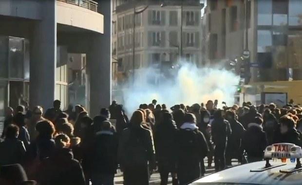 Francuska policja użyła gazu łzawiącego wobec protestujących studentów