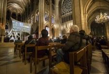 Francuska prasa o skromnym papieżu. Holendrzy pytają o powiązania z juntą